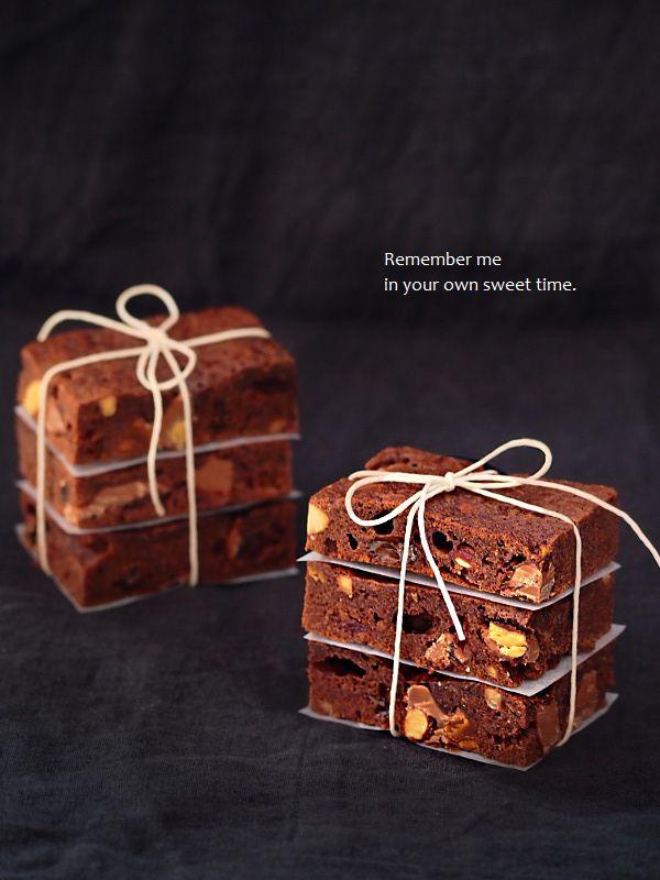 nuts_fruits_brownies3.jpg