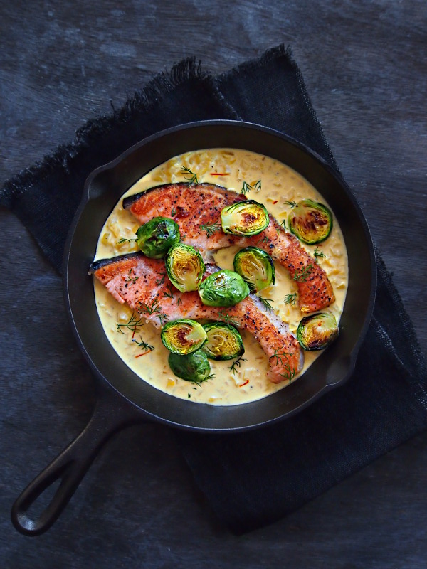 saffroncreamsauce_salmon.jpg