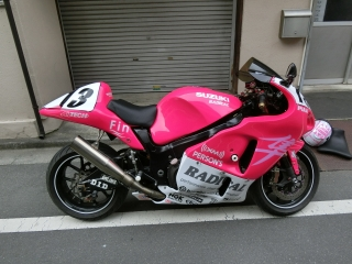 GSX1300R 隼 ピンクちゃん