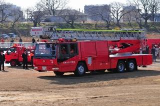 平成27年 岡崎市消防出初式 消防訓練展示 40mはしご車
