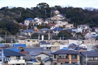 大高城址公園から東海道本線を見る