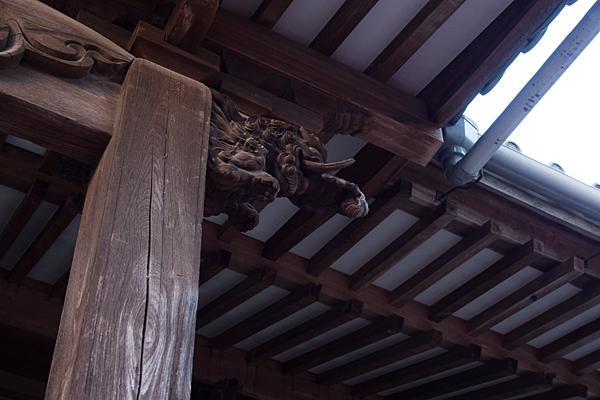 護国院柱の彫り物