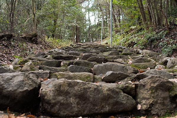 東谷山上り石段