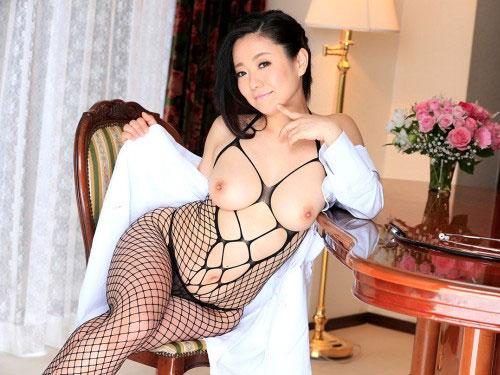 和泉紫乃 Hカップ変態女淫長の中出しクリニックへようこそ!無修正動画 #エロ画像