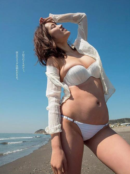 白石あさえ 知的美人な女優のB94㎝巨乳おっぱいグラビア画像
