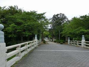 20150509_07護国神社前