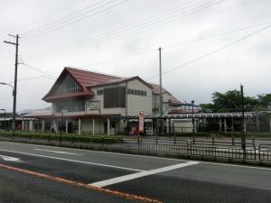 20150516_27上中駅