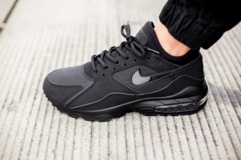 Nike-Air-Max-93-Triple-Black--760x506_jpg_pagespeed_ce_2Uigst1XYA.jpg