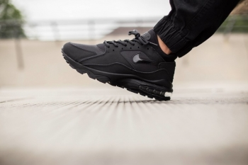 Nike-Air-Max-93-Triple-Black-1-760x506_jpg_pagespeed_ce_XHdUs87-Lx.jpg