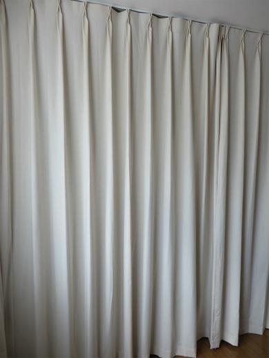 ハンドメイドのカーテン