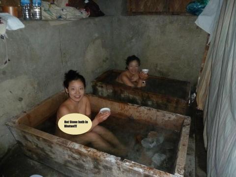 【エロ画像】女性の入浴中の姿ってなんでこんなエロく見えるんだろう