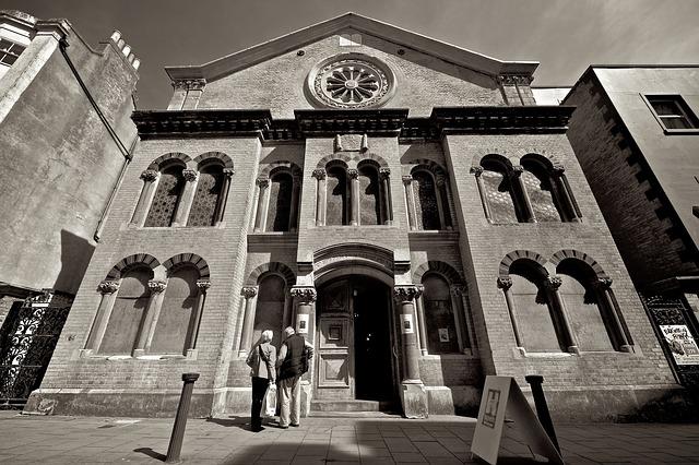synagogue-458381_640.jpg