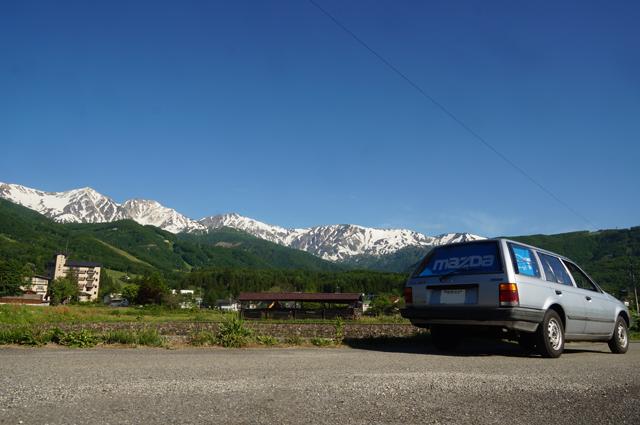 ファミリアバンと白馬の山々