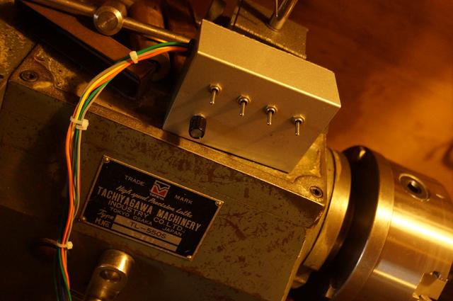 旋盤を動かすためのインバータにつなげた有線リーモートコントロール・ワイヤードリモコン
