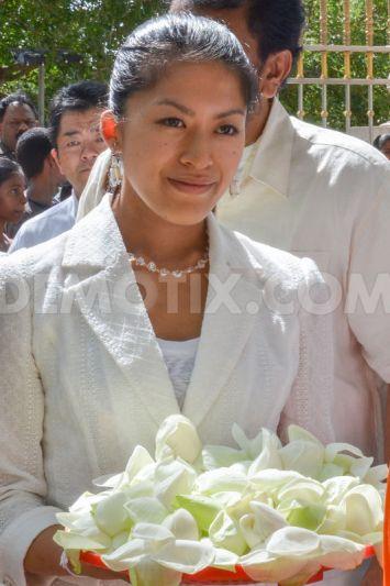 1377110306-japans-princess-tsuguko-of-takamado-visits-anuradhapura_2472378.jpg