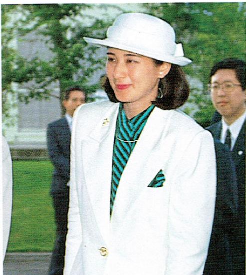雅子 様 ファッション