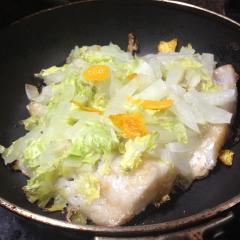 真鱈醤油糀漬二日間放置白菜とデコポン皮載せ