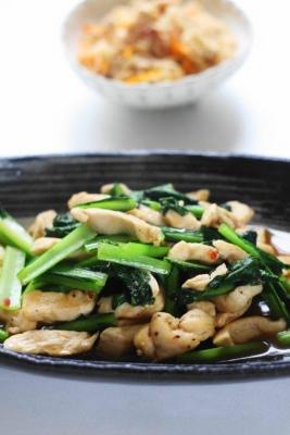 「鶏胸肉と小松菜のピリ辛オイスター炒め2