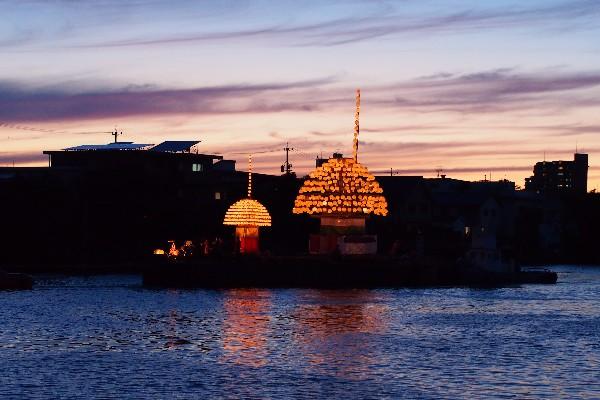 堀川祭り 宮の渡し公園  まきわら船