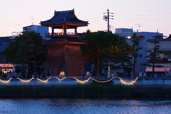 熱田区神戸町 宮の渡し公園 時の鐘