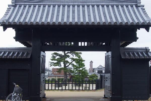 新居関所(今切関所)は慶長5年(1600)徳川家康により創設されました。