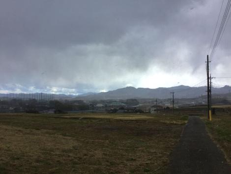 ロケ地に近づくと雹が降ってきた