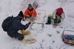 棚田の屋根雪掘り