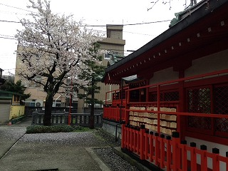 3伏見稲荷神社