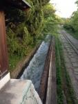 2015年京都南禅寺からの帰り道その4濁流の水路その2