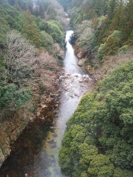 はづ合掌 板敷川( )