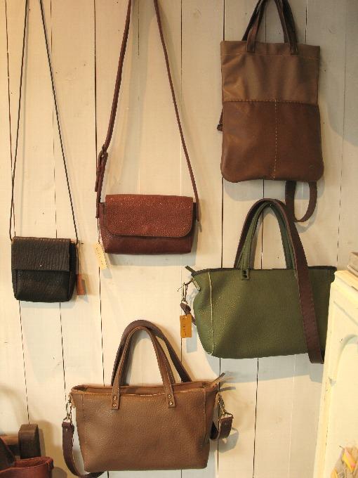 2014-12-5革の鞄こもの展