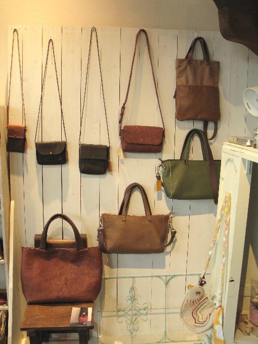 2014-12-16革の鞄こもの展
