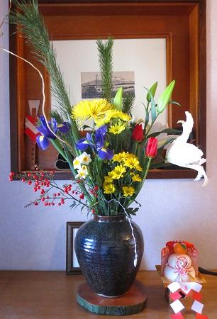 033玄関の花。