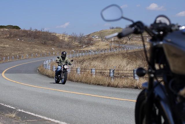 s-13:25対向バイク