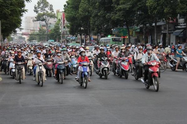 2015-3-22ベトナムのバイク事情1