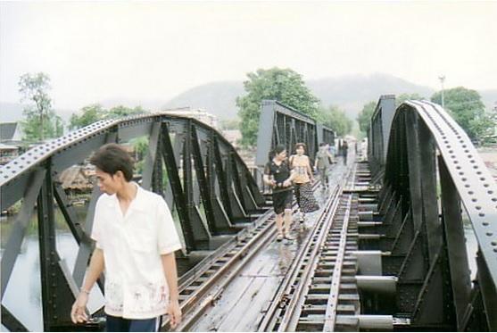 2015-6-7クウェー・ヤイ川鉄橋