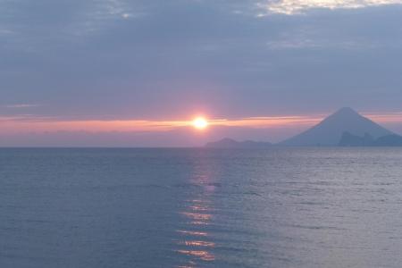 九州09 鹿児島県 開聞岳と夕日