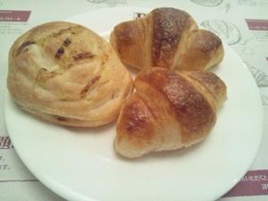 パン食べ放題2 (300x225)