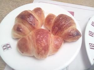 パン食べ放題5 (300x225)