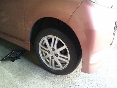 タイヤ交換③ (400x300)