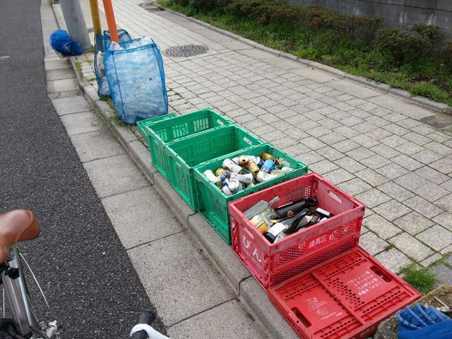 空き缶・ペットボトル