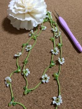 写真 ビーズを編むネックレス~Jasmine~ 縦