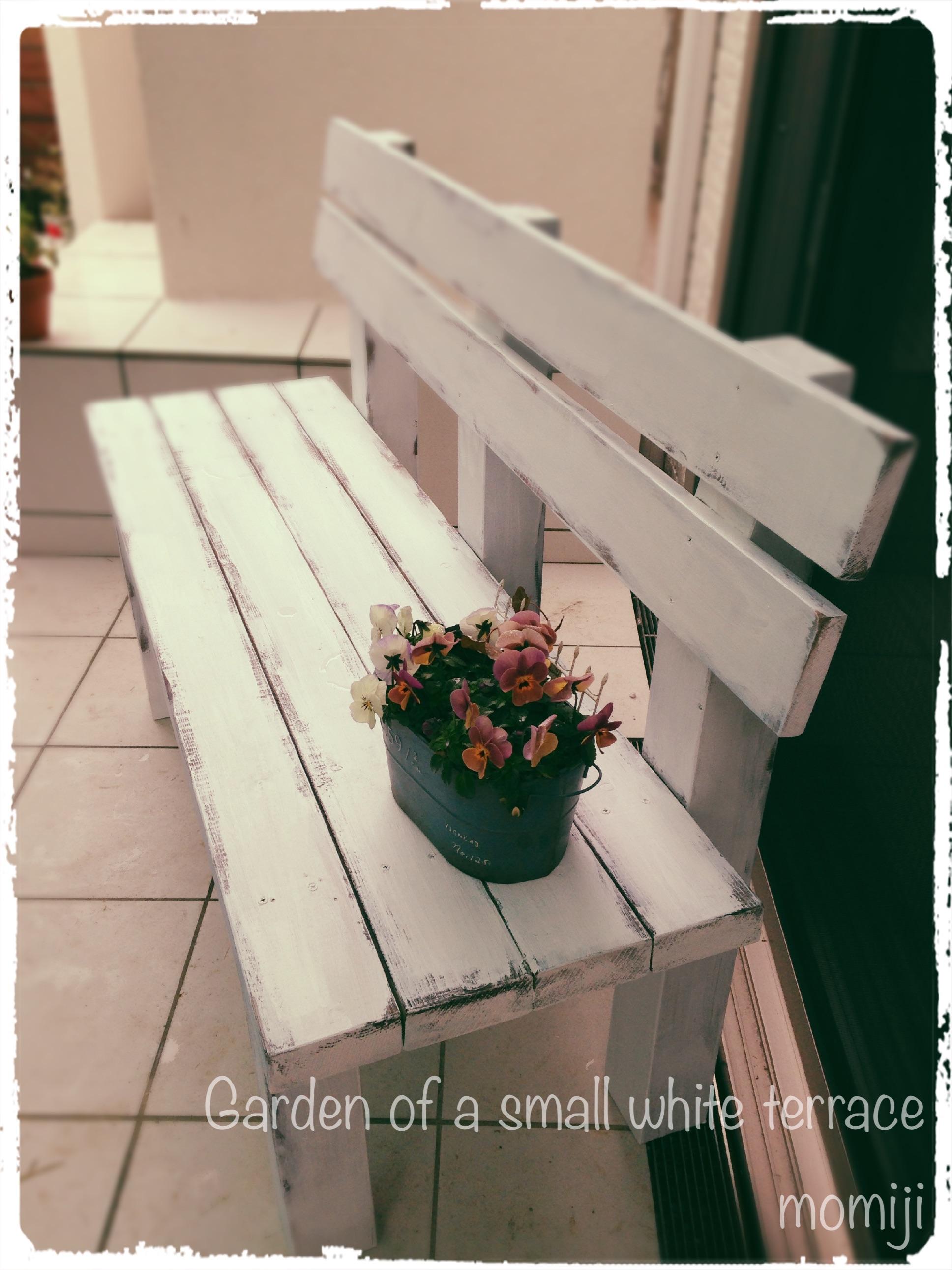 ガーデンベンチ シャビーにペイント