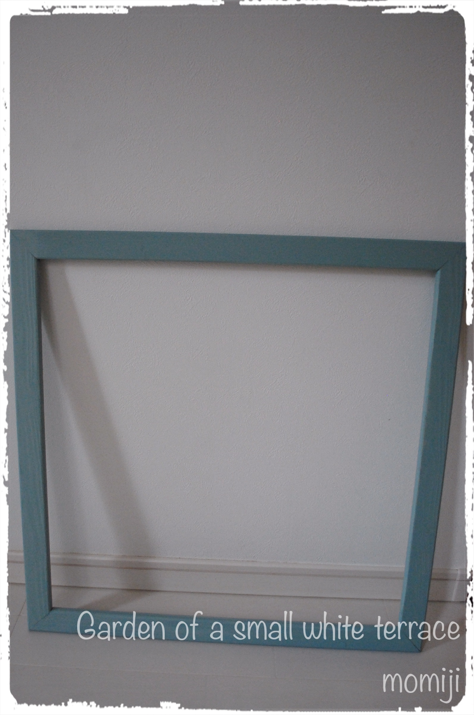 フェンスに窓 ウィンドウフレーム DIY