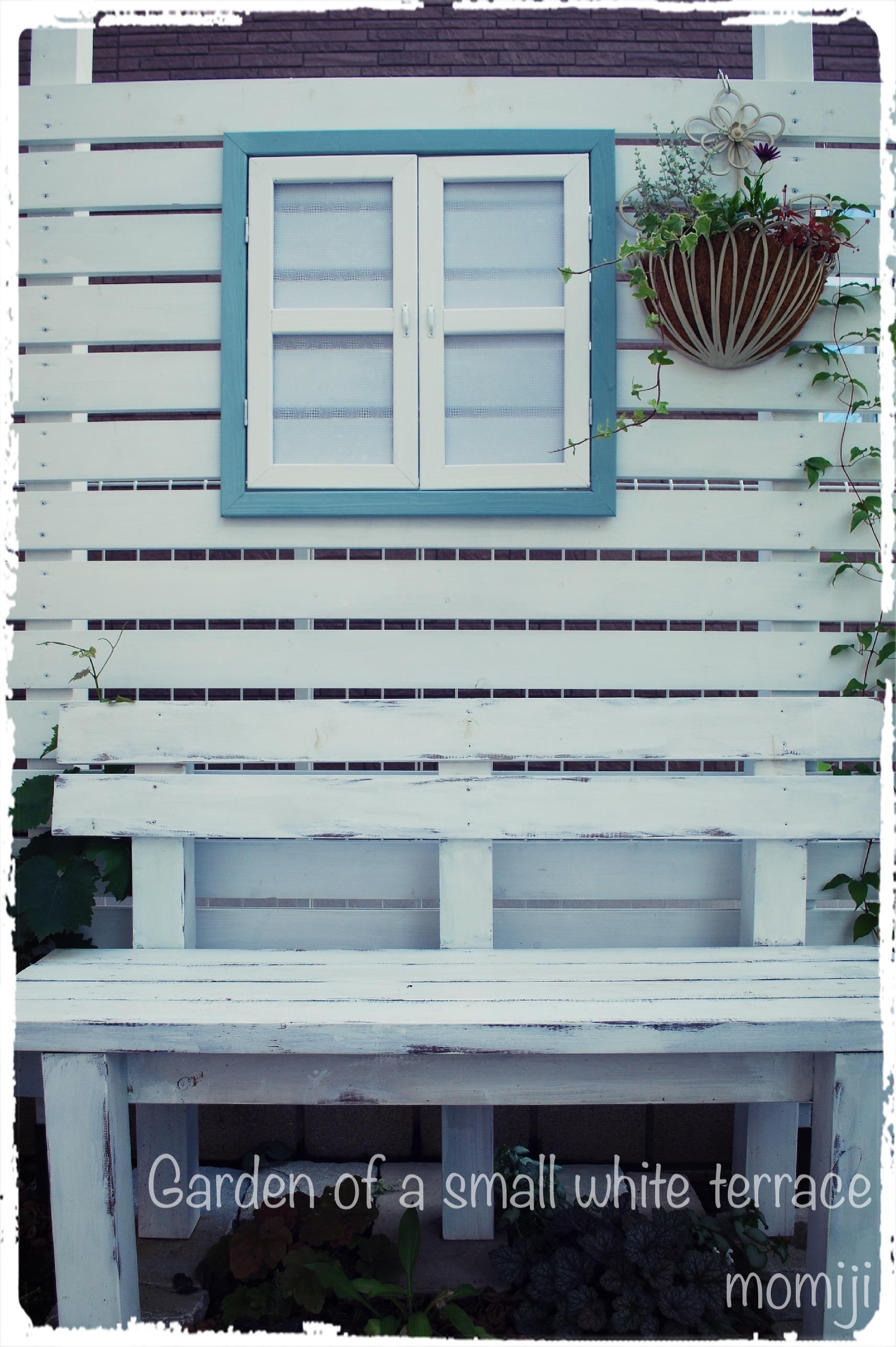 フェンスに窓 ウィンドウフレームをDIY
