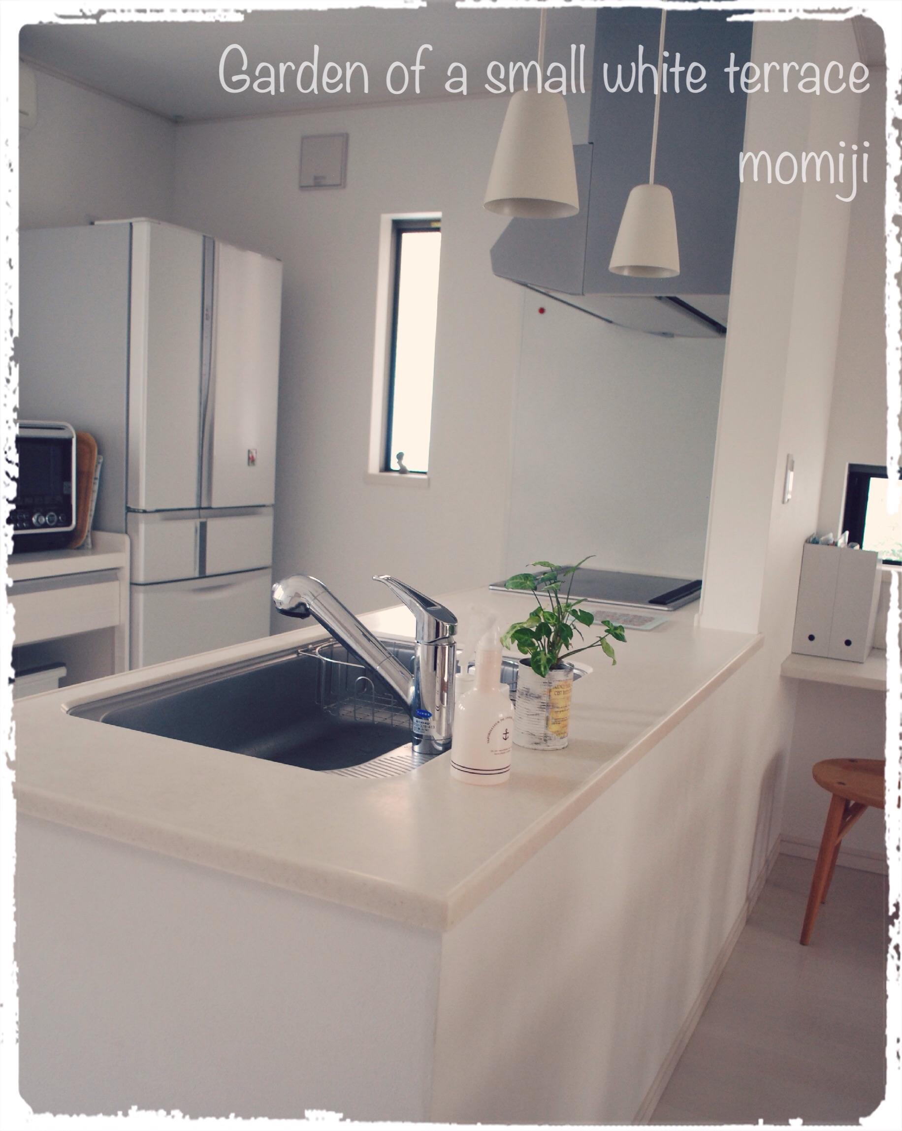 シンプル 白 キッチン