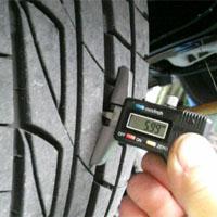 タイヤ溝の検査