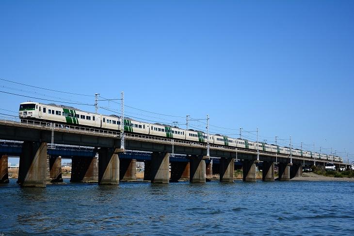 踊り子115号 馬入川橋梁