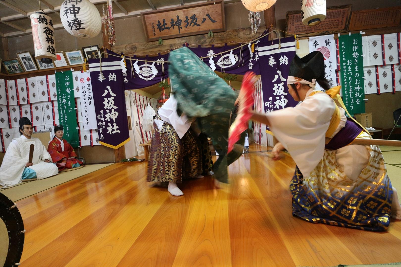 田子神楽 権現舞03