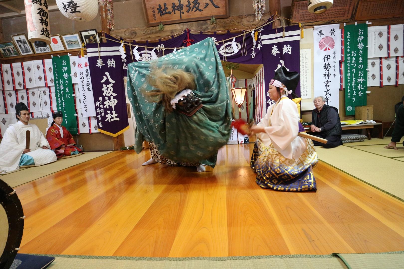 田子神楽 権現舞04